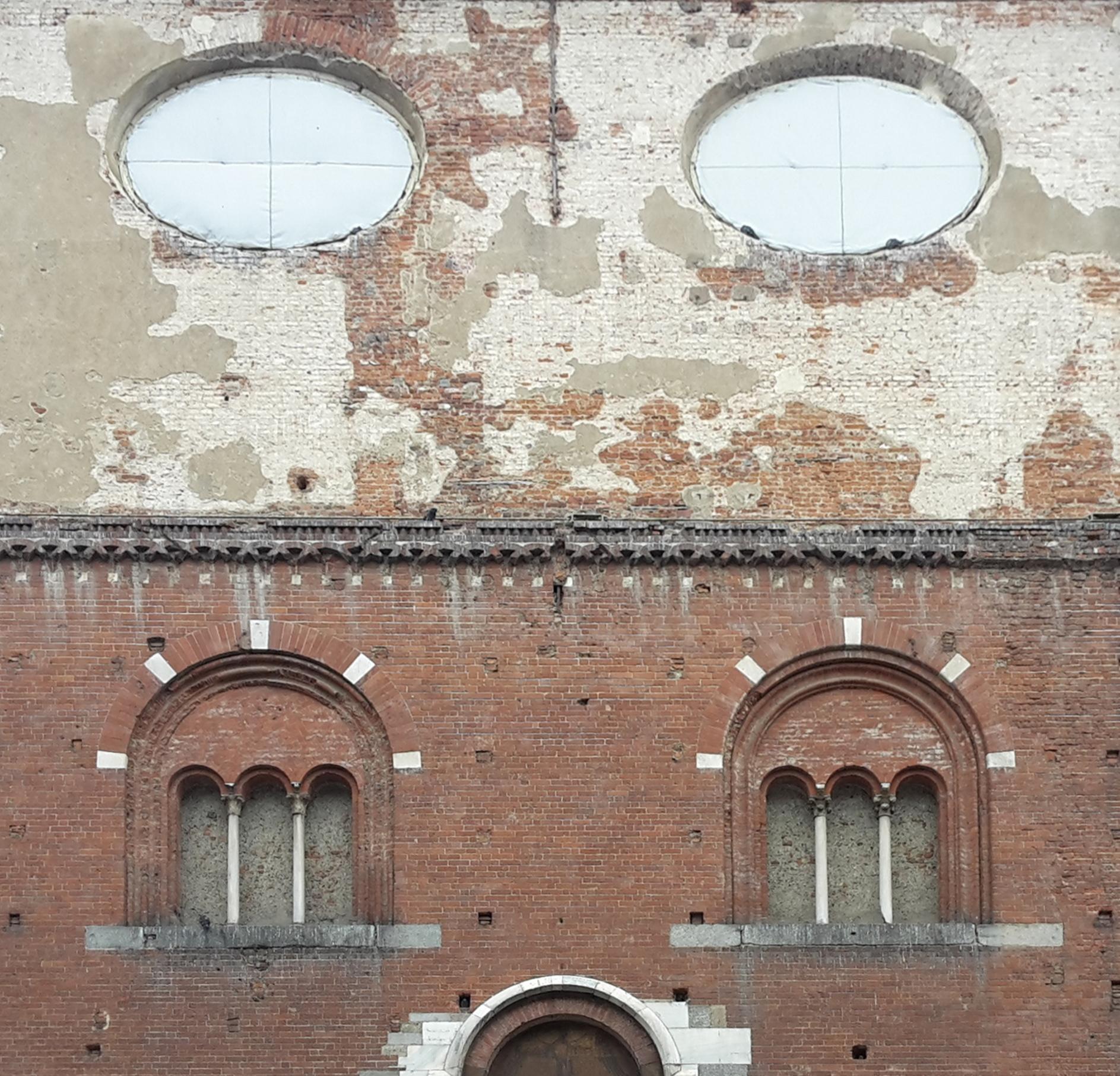 La Ragione Del Restauro.Milano La Scala Del Palazzo Della Ragione In Difesa Della