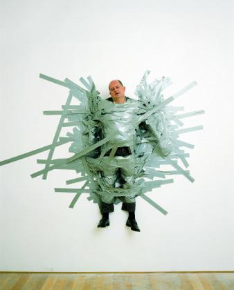 Ennesima. Una mostra di sette mostre sull'arte italiana. Maurizio Cattelan, A Perfect Day, 1999