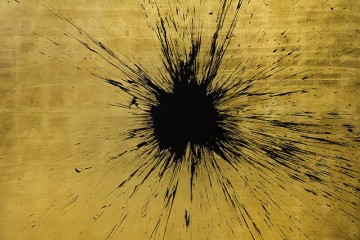 Julian T, Impact Gold, dalla serie Alchemy, 2015, acrilico su foglia d'oro, 200x200 cm