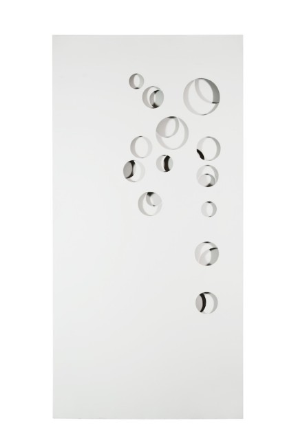 Paolo Scheggi, Intersuperficie curva, 1970, acrilico bianco su tre tele sovrapposte, 100x50.5x7 cm © Paolo Scheggi, SIAE 2016
