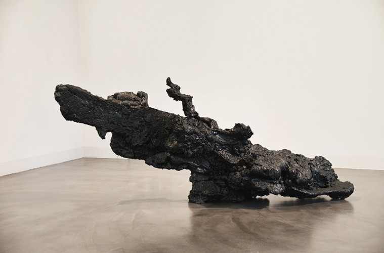 Andrea Magaraggia, Adagio, 2015, poliuretano, resina, 205x85x60 cm