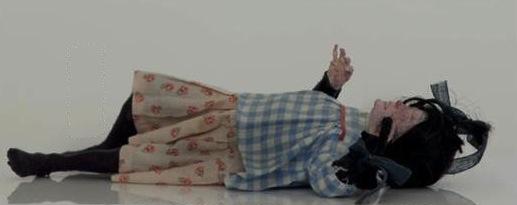 Francesco Merletti, Presto vecchia, 2015, gesso, stoffa, pigmento e make up, 9x6x30 cm, box 25x25x40 cm