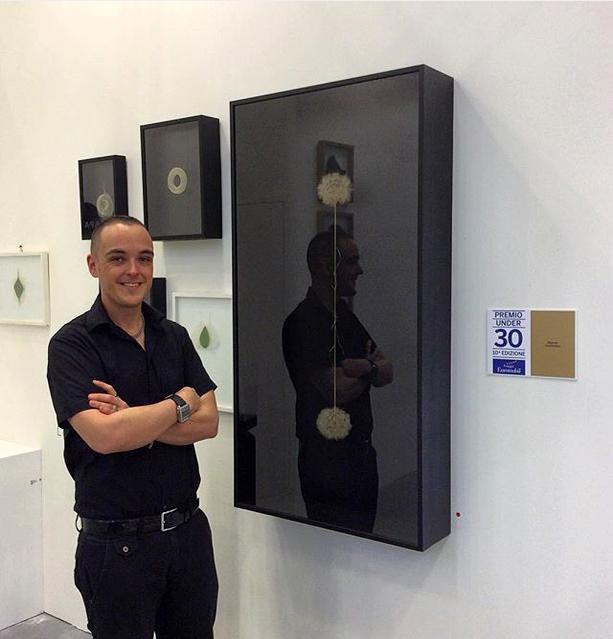 L'orMA accanto all'opera vincitrice del premio euromobil under 30, Spazio Testoni Arte Fiera 2016