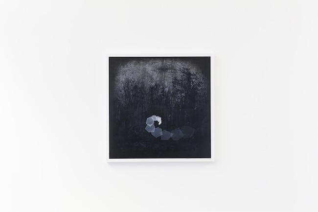 Thomas Scalco, Monochrono, 2015, tecnica mista su tela, cm 70x70. Opera vincitrice Arteam Cup 2015 nella categoria Under 30