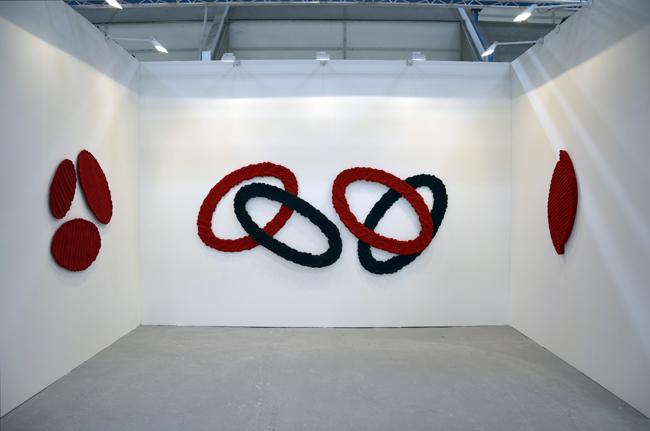 Una veduta dello stand di Claudio Poleschi Arte Contemporanea con l'opera di Pino Pinelli. Arte Fiera Bologna 2016