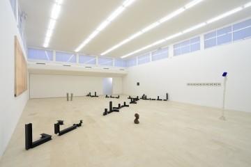 Teoria ingenua degli insiemi, installation view, Courtesy P420, Bologna, Foto: Michele Sereni)