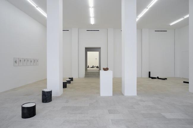Teoria ingenua degli insiemi, installation view, Courtesy P420, Bologna Foto: Michele Sereni)