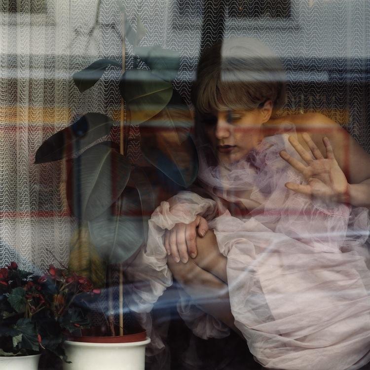 Chantal Michel, Karlstrasse, 2001, stampa fotografica montata su plexiglass, 85x85 cm Courtesy C|E Contemporary Milano