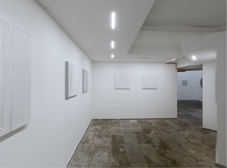 Gianfranco Zappettini. Opere recenti, veduta della mostra, Menhir Arte Contemporanea, La Spezia