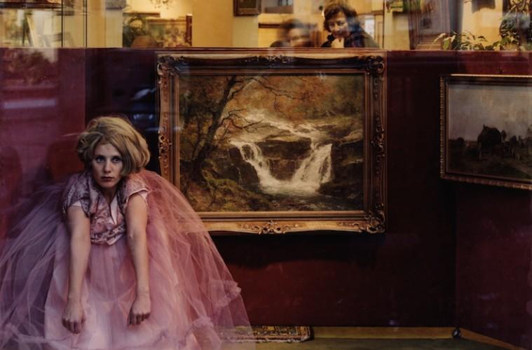Chantal Michel, Buttermelcherstrasse 64, 2001, stampa fotografica montata su plexiglass, 150x191 cm, Courtesy C|E Contemporary, Milano