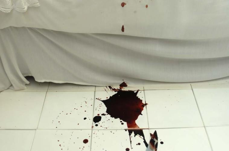 Angelo Colangelo, tutti i particolari in cronaca, installazione, Pescara 2007, coll. priv., foto Ottavio Perpetua, courtesy l'artista