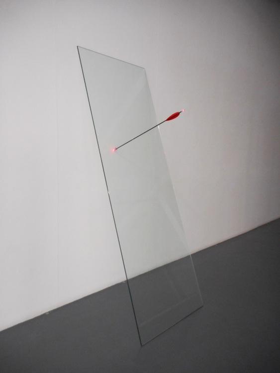 Maurizio Mochetti, Cristallo con Freccia Laser, 1991, dimensione lastra di cristallo 180x240 cm