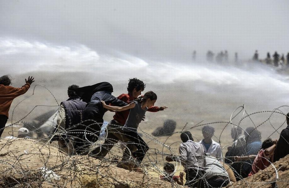 Bulent Kilic, Turkey, Agence France-Presse, Broken Border, 13-15 June, Sanliurfa, Turkey © Bulent Kilic