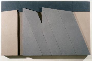 Giuseppe Uncini, Dimore n. 47 A (Rilievo), 1985, cemento e laminato legno, 70x110 cm