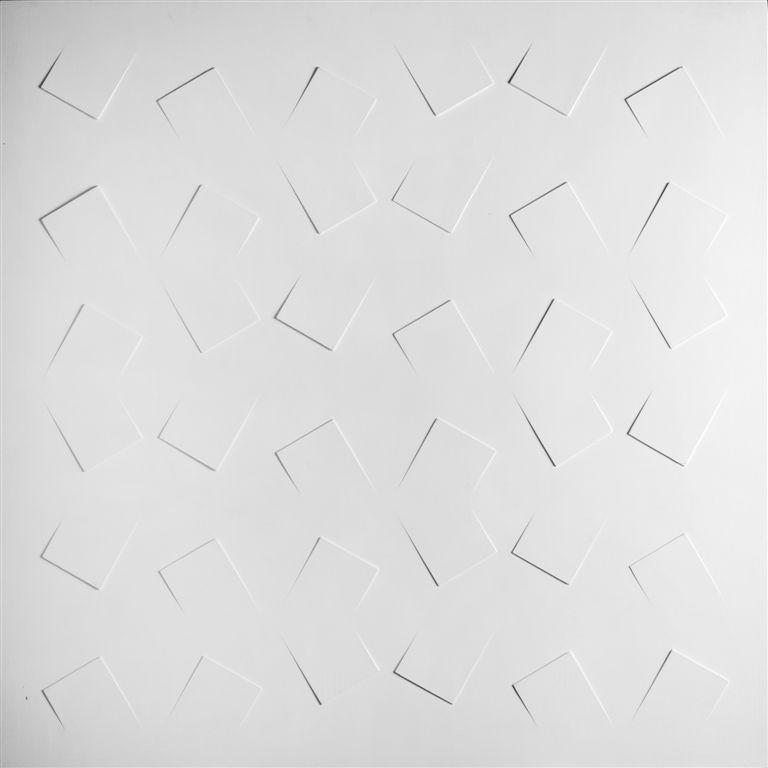 Alberto Zilocchi, Rilievo, 1976, estroflessioni e acrilico su tavola, cm 100x100