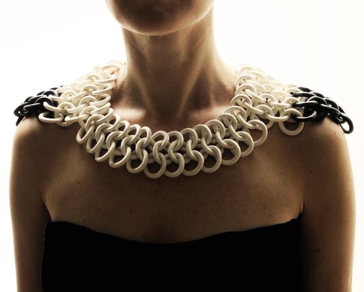 Olivia Monti Arduini, Shoulder armour dark