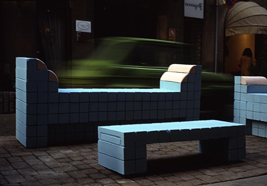 Ugo La Pietra, Soggiorno urbano, via della Spiga, 1989, Milano