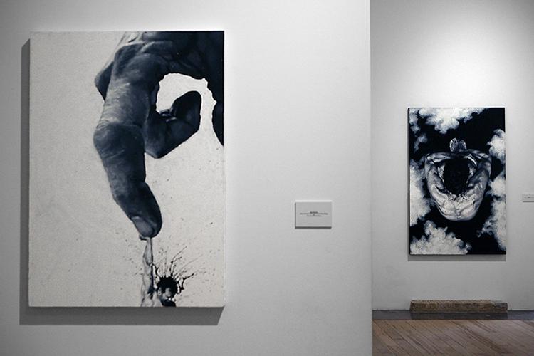 Paolo Troilo, res publica estate 2014, entrambi acrilici su tela dipinti con le dita da collezioni private. Foto: Fabio Sgroi