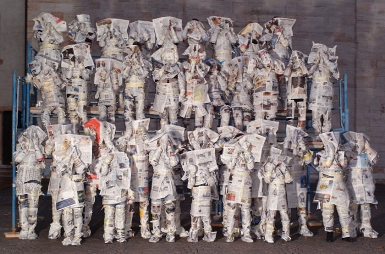 Olaf Breuning, Good News, Bad News, 2008, C-print su carta, 136x186 cm, Collezione Annette e Peter Nobel