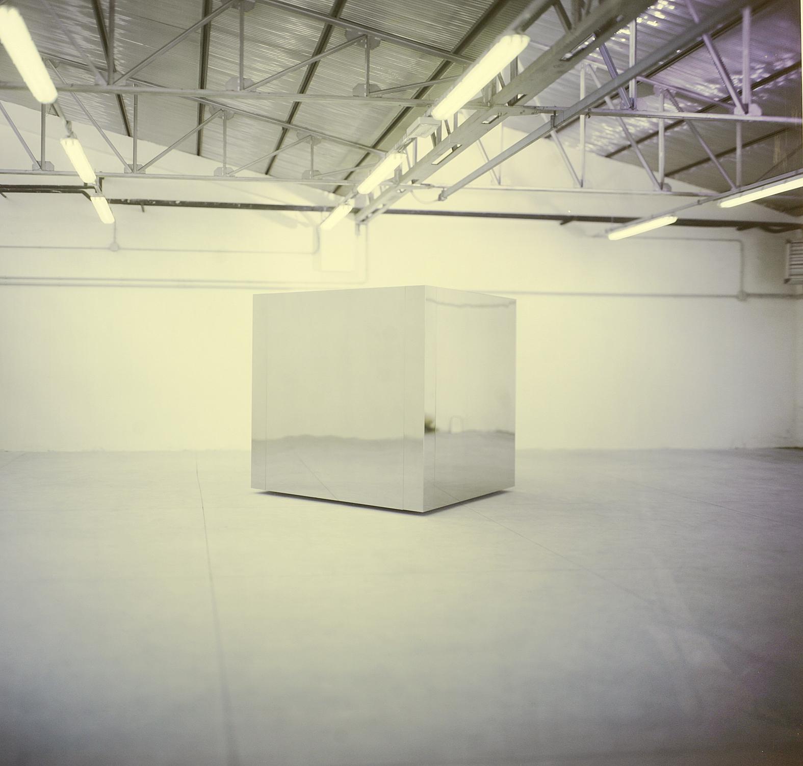 Christian Martinelli, Cubo in acciaio inox