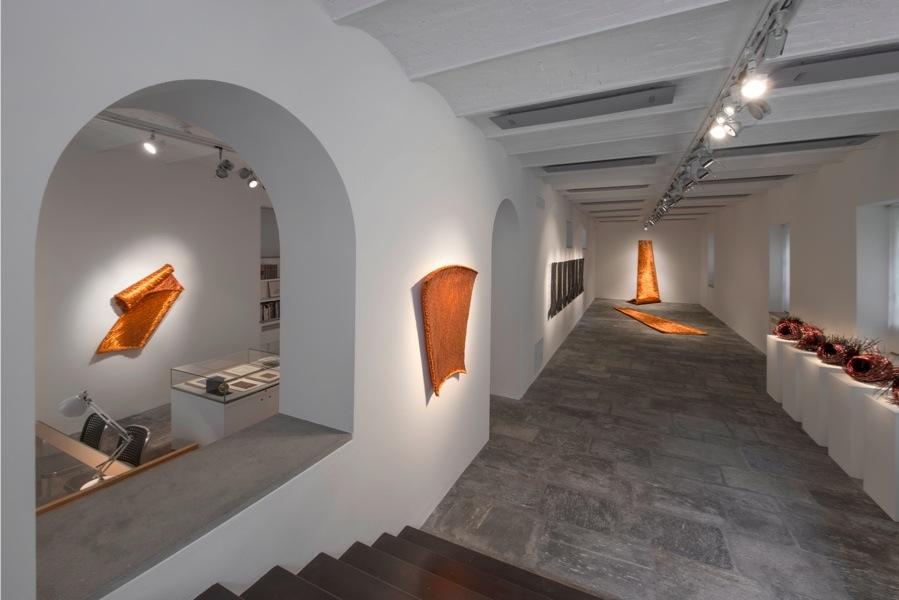 Antonella zazzera poesia scritta con la luce del rame for Fondazione arnaldo pomodoro
