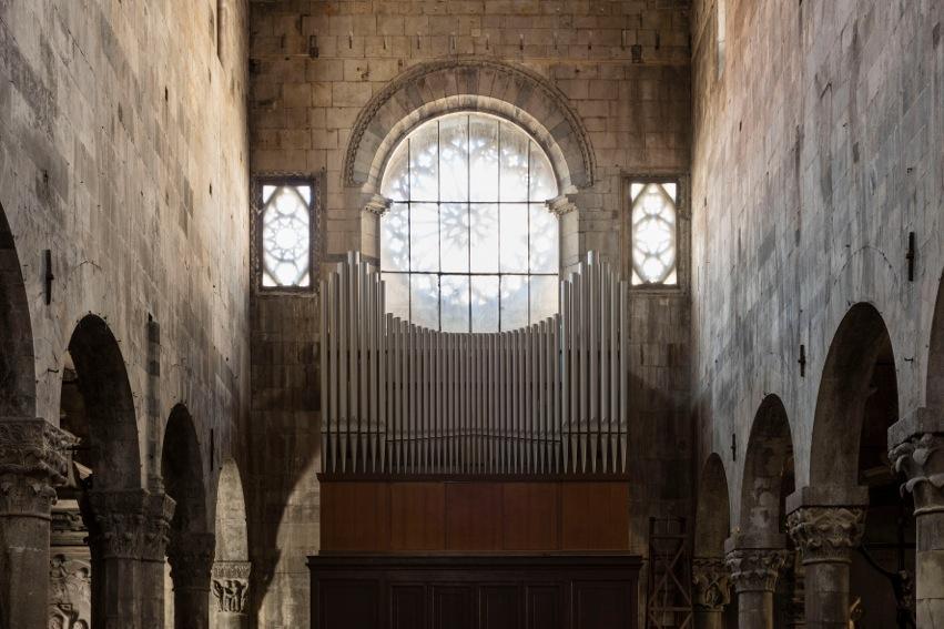 Duomo di Carrara, In nomine Lucis, Giacinto Scelsi 1905-1988 All'organo Livia Mazzanti. Foto: Agostino Osio, Milano