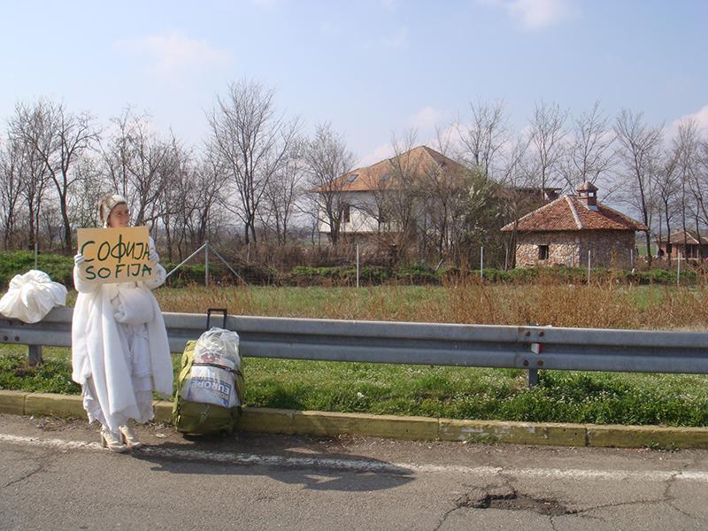 """Pippa Bacca, Autostop verso Sofia, da """"Spose in viaggio"""""""