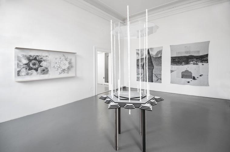 La Forma della Città, veduta della mostra. Opere di Michele Guido e Elena El Asmar