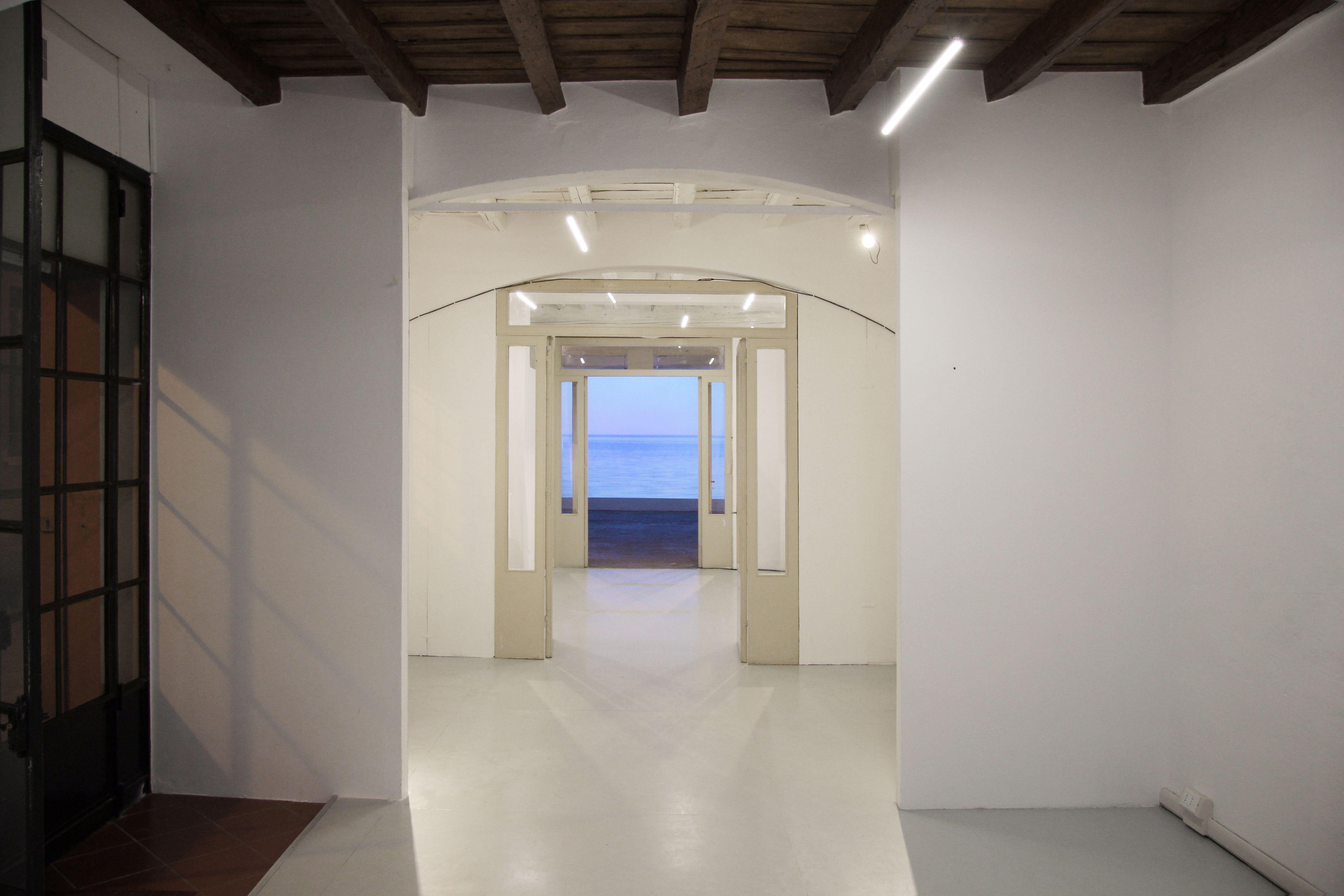 Irene Fenara, Se il cielo fugge. Veduta della mostra. Foto di Irene Fenara