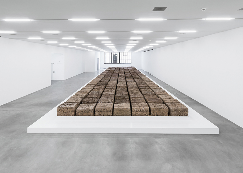 Mike Bouchet, The Zurich Load. Foto: © Manifesta 11 / Camilo Brau