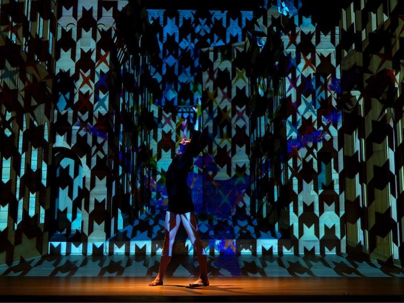 Vincenzo Marsiglia. Dopo Logica/o, performance interattiva con i ballerini Denny Lodi e Tanja Patrini, Teatro all'Antica, Sabbioneta (MN) Foto Dario Lasagni, New York