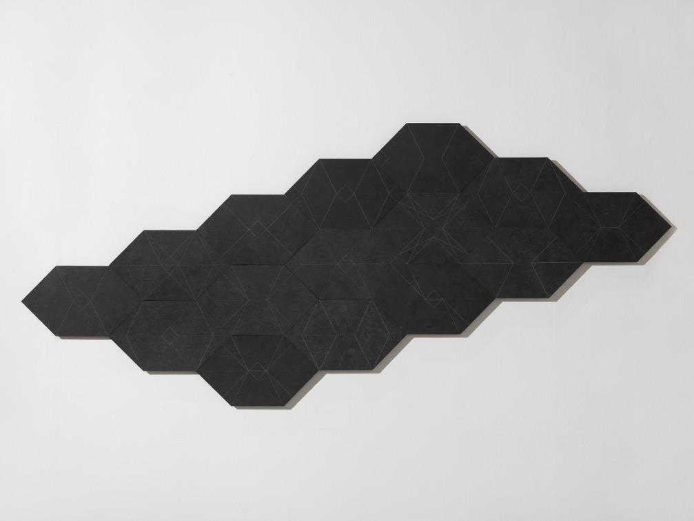 Vincenzo Marsiglia, Star Stone, ardesia incisa, 100 x 224 cm, 2014.