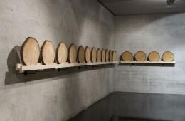 Xavier Veilhan, Cedar, 2016, wood, 10 m installation line Courtesy Andréhn-Schiptjenko © Veilhan, ADAGP Paris, 2016 Photo © Simon Perathoner