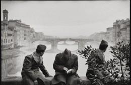Leonard Freed, Firenze, 1958, modern print, 40.5x50.5 cm © Leonard Freed - Magnum (Brigitte Freed)