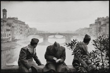 Leonard Freed, Firenze, 1958, modern print, 40.5x50.5 cm © Leonard Freed - Magnum (Brigitte Freed)