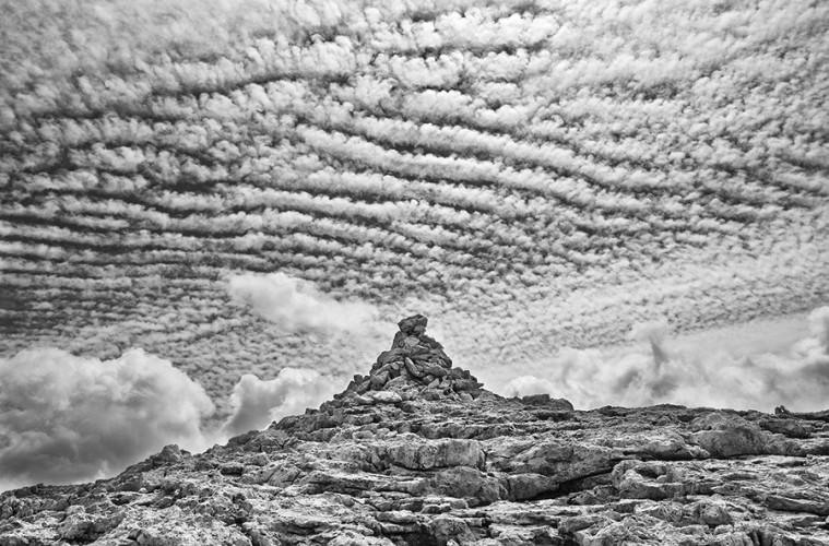 Gianni Maffi, Montagne di carta - Altopiano delle Pale di S. Martino, 2011