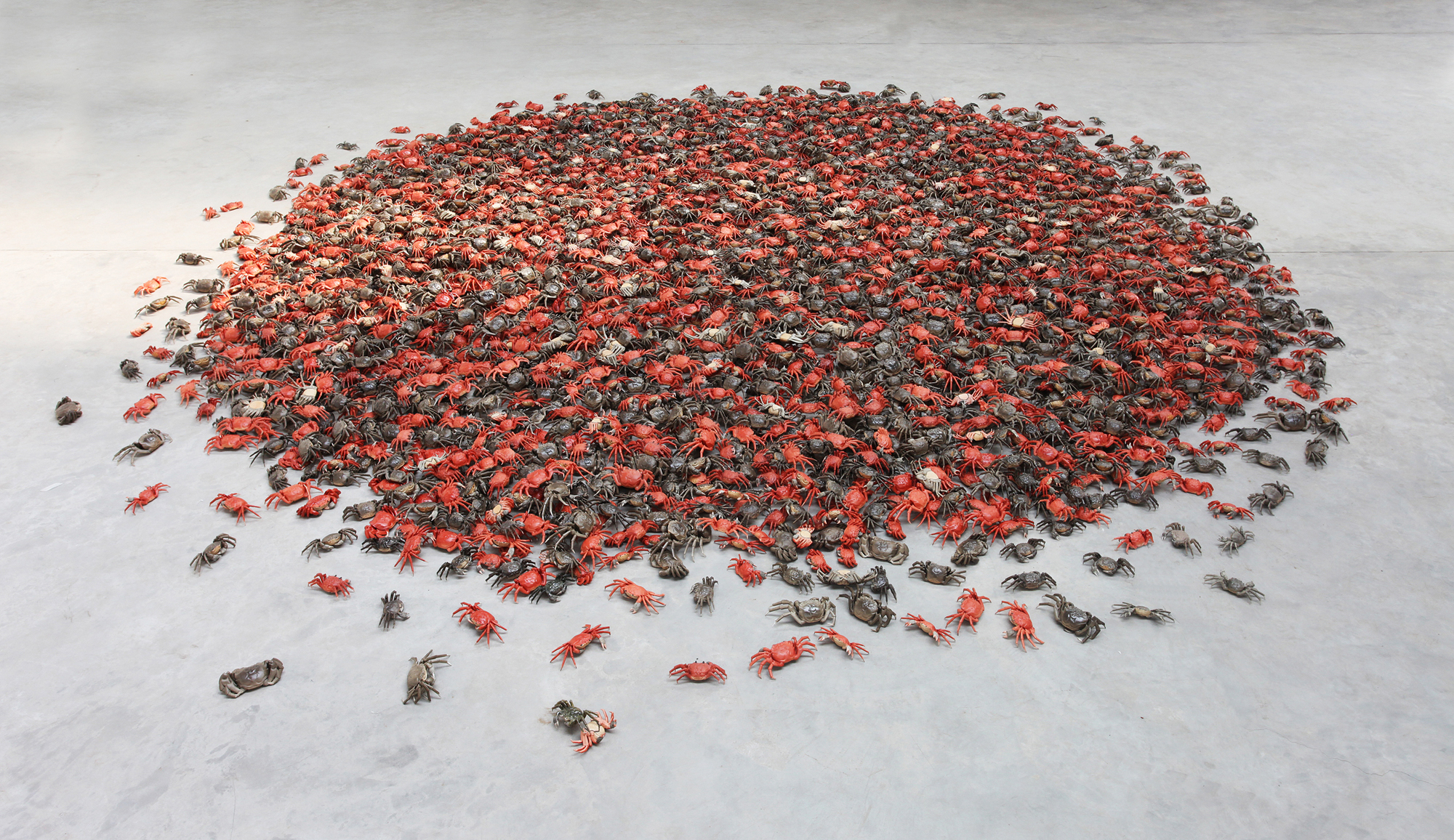 Ai Weiwei, He Xie, 2011. Porcelain crabs. 3,000 pieces, each 5 x 25 x 10cm. Courtesy of Ai Weiwei Studio. Image courtesy of Ai Weiwei Studio © Ai Weiwei
