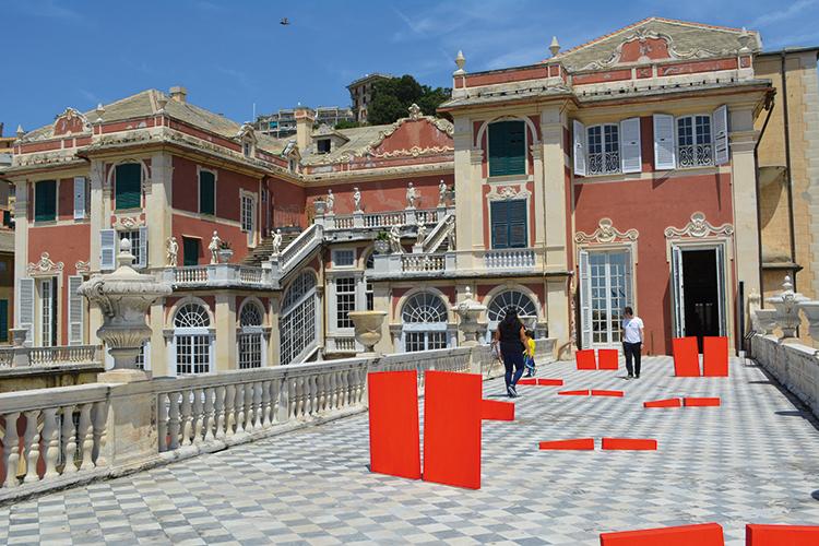 Luciano Fiannacca, Segni di rosso, acrilico su polistirene espanso, misure variabili, 2016, veduta dell'installazione sulla terrazza di Palazzo Reale, Genova