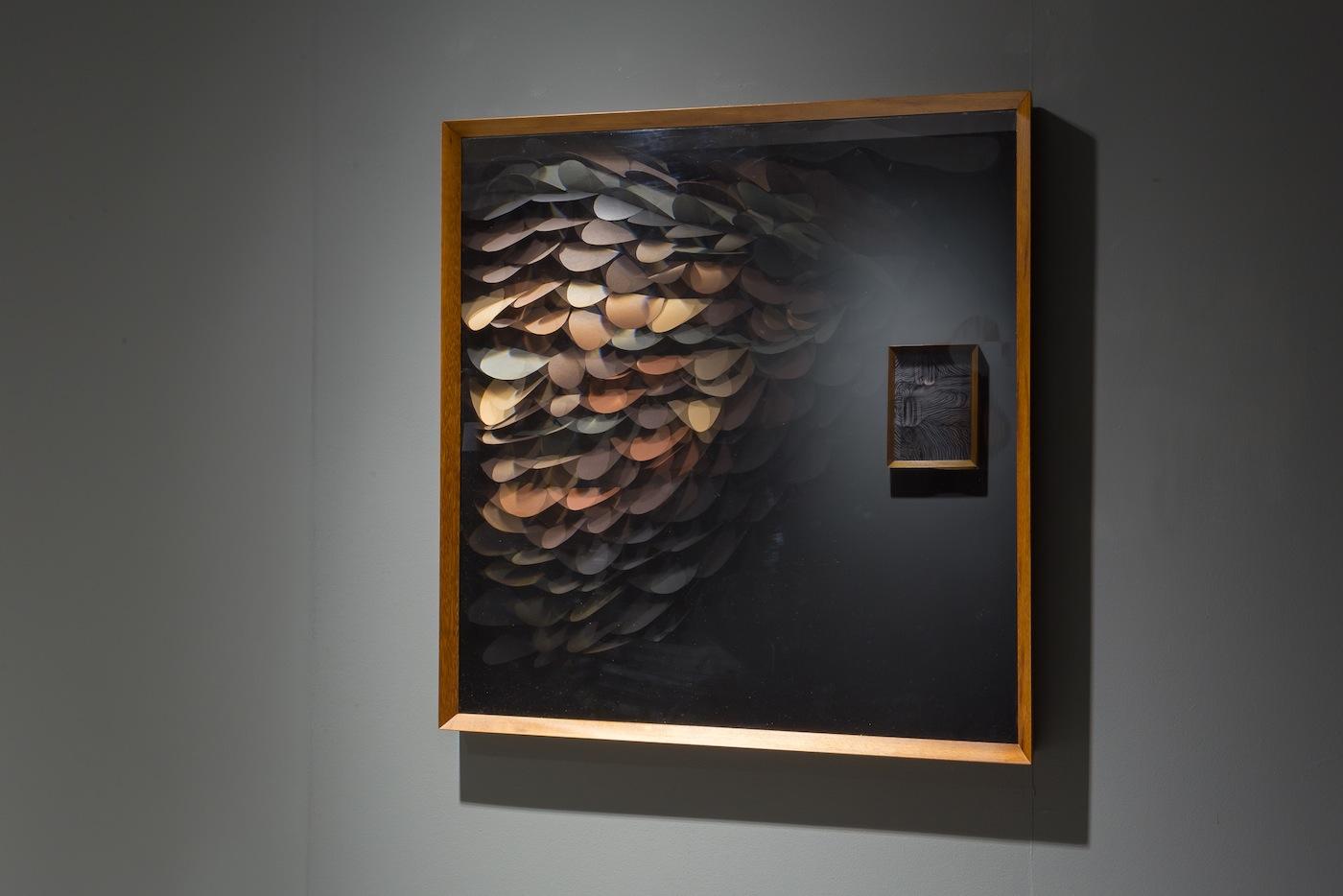 Maurizio Donzelli, Mirror, cm 101 x 97 x 7,5, mix media in box, 2016. Veduta della mostra Maurizio Donzelli Invisibile-No, Marignana Arte, Venezia