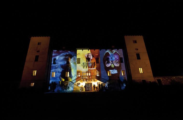 Maravee Corpus 2014, videomapping Liceo Sello.  Foto: Renato Patat