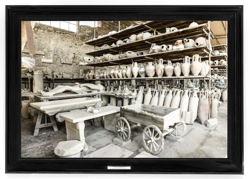 Mauro Fiorese, Treasure rooms degli Scavi di Pompei - Napoli, 2015 Edizione di 2 (110x161 cm + 1 PA) + 6 (90x133 cm + 2 PA) Stampa ai pigmenti su carta 100% cotone Courtesy Boxart Galleria d'Arte, Verona