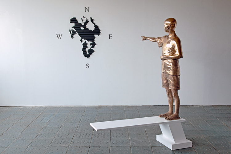 EUDOURADO, 2010, Installation view, Wood, bronze, iron, plastic, 165,5x90x38 cm | 86x66x2 cm