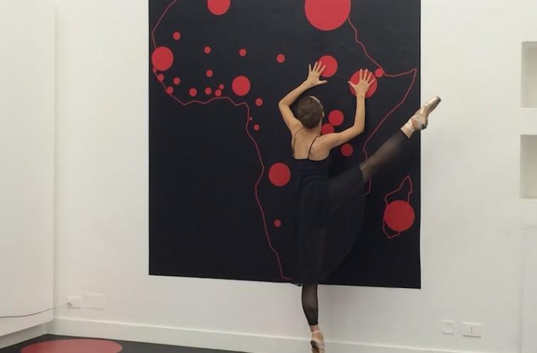 Halida Boughriet, Sans Titre (Afrique), performance con la ballerina Olga Totukhova, Officine dell'immagine, Milano