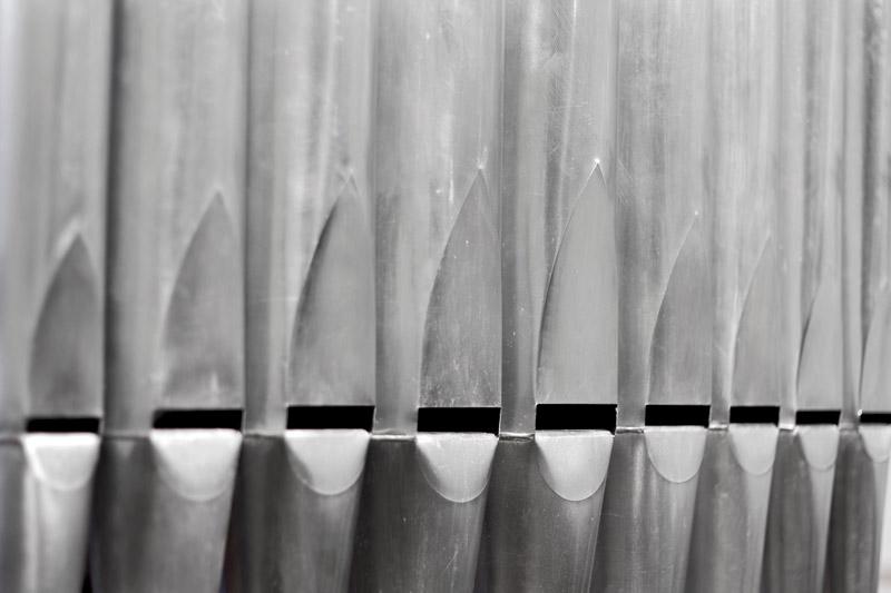 Michele Spanghero Ad lib. Scultura sonora, 2016 ventilatore polmonare automatico, carrello, canne d'organo, legno, ventilatore per organo 272 x 100 x 34 cm + 112 x 55 x 55 cm dur. ad libitum credits: Michele Spanghero