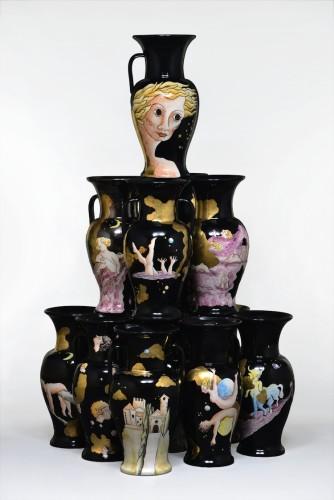 Patrizio Di Massimo, Perbacco, 2016, 14 hand painted ceramics, pure gold / 14 ceramiche dipinte a mano, oro zecchino, approx 180x105x105 cm Unique / Unico