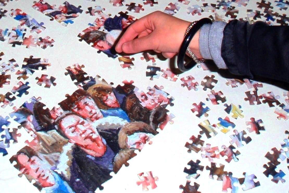 C.Pallara, Hatsumode-504meno1, olio su puzzle, 48x68cm. Courtesy ZNS Project e l'artista