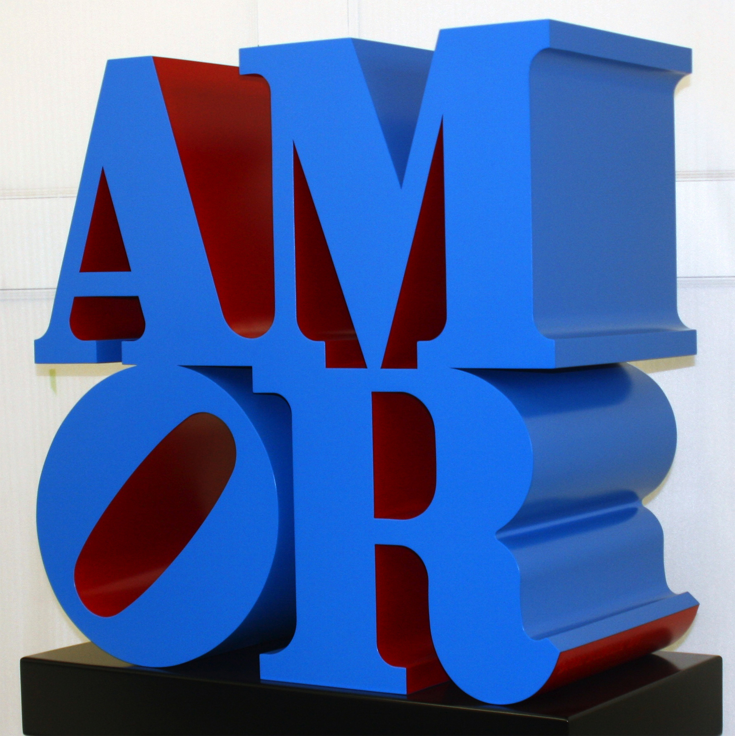 Robert Indiana Amor 1998 Scultura, alluminio policromo (blue and red), 104x96,5x50,8 cm. Ed. 3/6 Courtesy: Galleria d'Arte Maggiore, G.A.M., Bologna, Italia © Robert Indiana by SIAE 2016