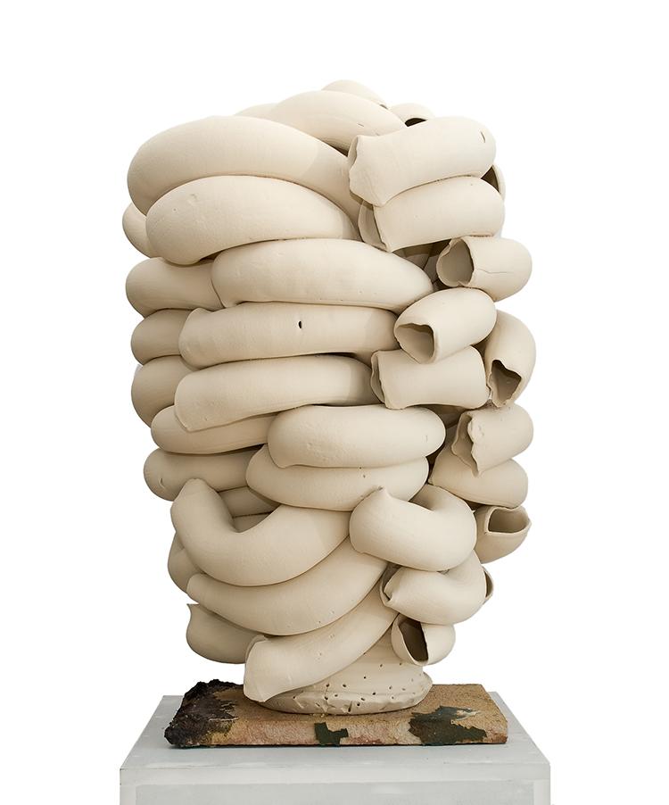 Torbjørn Kvasbø, Stack, white, 2010, terracotta, elementi tubulari estrusi manualmente e assemblati insieme, smalti
