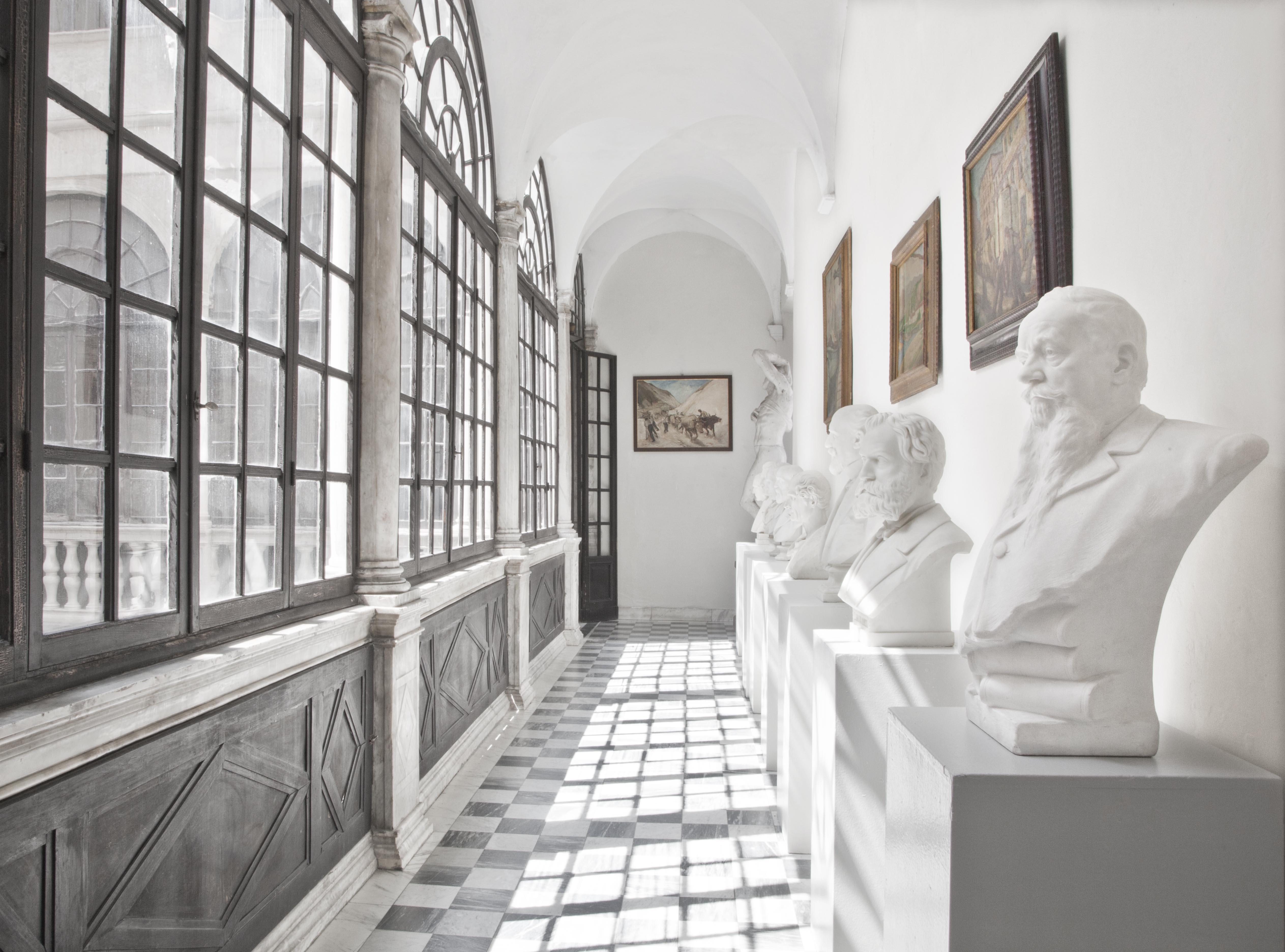 Corridoi attrezzati for Lampade confalone prezzi