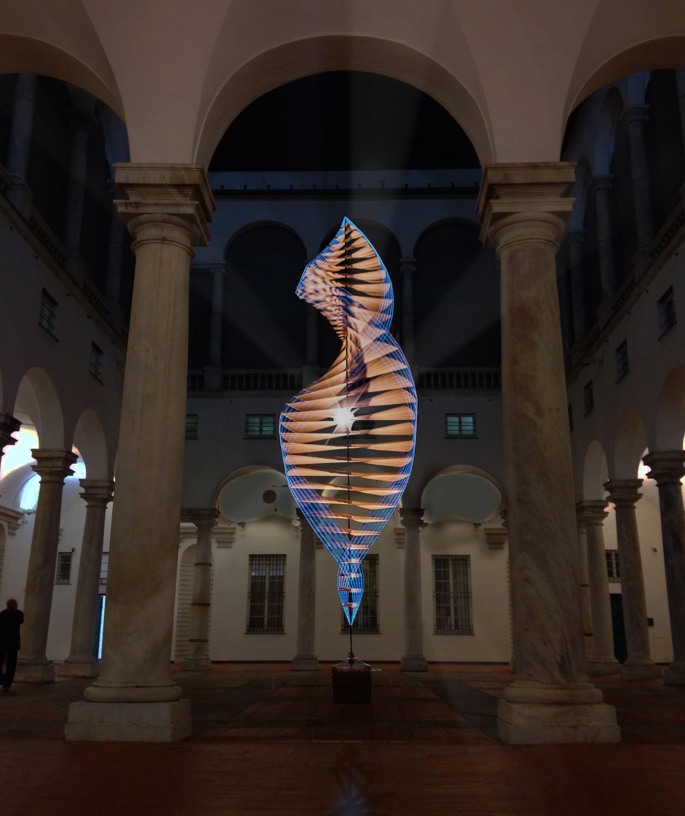 Alessandro Lupi, Universal Spin, 2015, tecnica mista supporto tecnico: FabLab Genova, cm 900x210x210 (in mostra a Palazzo Ducale, nell'ambito del Festival della Scienza)